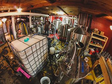 hermit-thrush-brewery 360×270